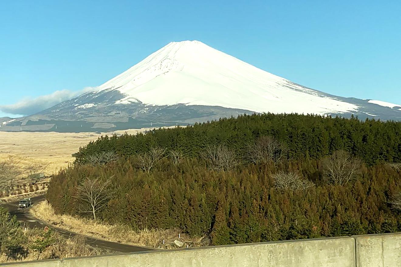 光明学園相模原高等学校へ向かう途中に見えた富士山